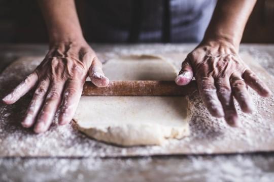 panadería pastelería repostería amasando