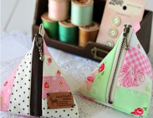 Cute-Triangle-Pouch