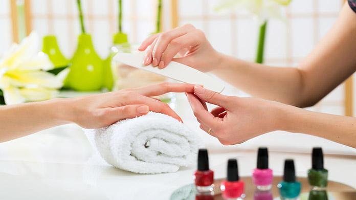 Como Iniciar un Negocio de Salón de Uñas / Manicura