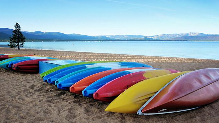 Cómo iniciar un negocio de alquiler de canoas y kayak