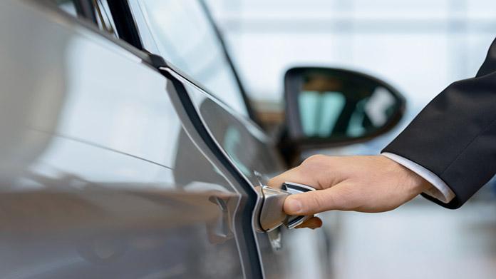 Cómo iniciar un concesionario de automóviles