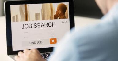 Cómo iniciar un negocio de bolsa de trabajo en línea